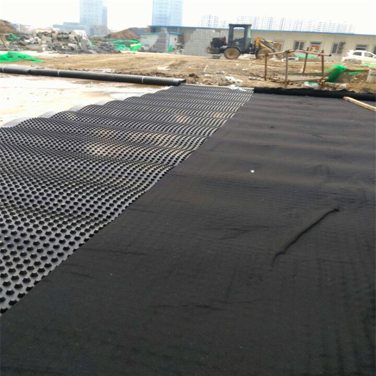 塑料排水板施工覆土场景图