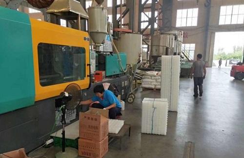 排水板厂家车间生产场景图