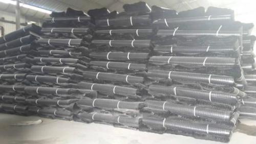 山东共建新材料排水板库存展示